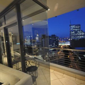 Sotheby's says Cape Town CBD short-let flats give excellent returns: Property24