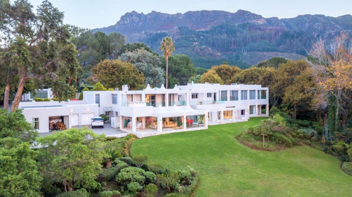 Ultra-luxury residential market still hot property on auction