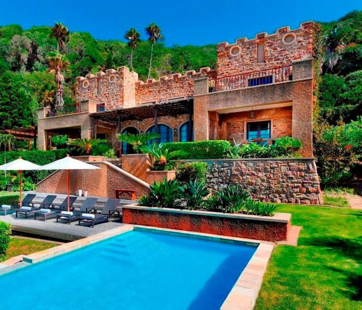 BusinessTech looks at Knysna's castle on the beach up for auction